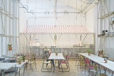 Royal College or Art and Design café by Weston Surman & Deane Architecture, London cafe