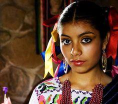 Muchacha de Patzcuaro, Michoacan          BAM