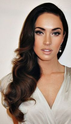 Megan Fox #haircuts #hairstyles #haircolors #hair #waves #celebrity #curls #hairdo #hairstyle #hairtips Wedding Hair Down Styles, Bridesmaid Hair To The Side, Long Hair For Wedding, Hair To The Side Wedding, Wedding Hair Bangs, Big Curls For Long Hair, Classic Wedding Hair, Bridesmaid Makeup, Wedding Night
