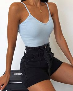 Pin on Outfit Goals Teenage Outfits, Teen Fashion Outfits, Mode Outfits, Cute Fashion, Girl Outfits, Fashion Hacks, Fashion Tips, Swag Fashion, Fashion Shorts