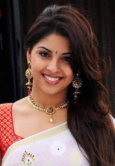 image not displayed Beautiful Girl Photo, Beautiful Girl Indian, Most Beautiful Indian Actress, Beautiful Saree, Beautiful Actresses, Beautiful Women, Indian Natural Beauty, Indian Beauty Saree, Girls Image