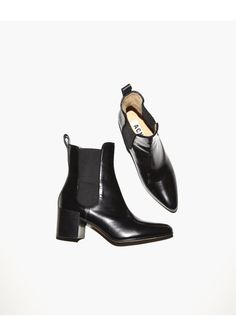 Acne Free boots