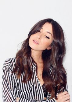 New Hair! And 4 Tips For The Perfect Balayage. Auburn Balayage, Balayage Hair, Subtle Balayage, Medium Auburn Hair, Stylish Hair, Trendy Hair, Brown Hair Colors, Brunette Hair, Mode Inspiration