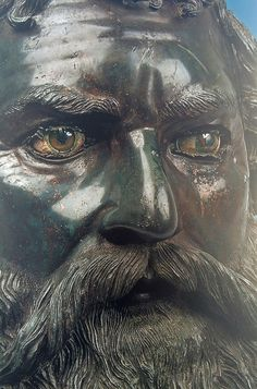 Exhibit at the Getty Center, summer-fall 2015. Close-up of Portrait of Seuthes III, about 310-300 B.C., bronze, copper, calcite, alabaster, and glass. National Institute of Archaeology with Museum, BAS.