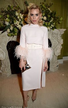 Ladylike look: Billie Piper put in a fashionable turn at the Vogue fashion and film party at Annabel's on Sunday night in London Female Actresses, British Actresses, Baggy Clothes, Billie Piper, Film Awards, Old Hollywood Glamour, Powder Pink, Vogue Fashion, British Style