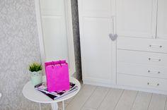 Nasze mieszkanie - biała prowansalska sypialnia
