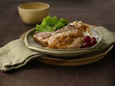 Gluten Free Smothered Pork Chops #GlutenFree #Celiac http://www.stockpilingmoms.com/2011/12/gluten-free-smothered-pork-chops/