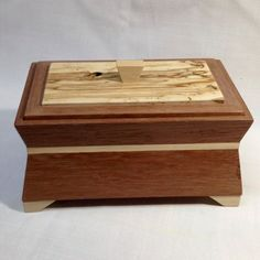 Handcrafted keepsake or jewelry box made with reclaimed pallet wood. by SolsWoodworkingShop on Etsy