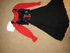 Renaissance Medieval serving wench pirate girl maiden sz 4 costume Halloween. $40.00, via Etsy, check skirt sizing! Most promising costume
