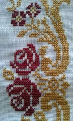 This Pin was discovered by fil Cross Stitch Boarders, Tiny Cross Stitch, Cross Stitch Flowers, Cross Stitch Designs, Cross Stitch Patterns, Embroidery Neck Designs, Hand Embroidery Patterns, Cross Stitch Embroidery, Crochet Pillow Cases