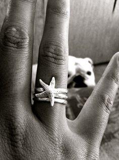 Starfish jewelry.. I'm a mermaid so I should possess this.