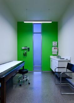 Exam room. Photo credit: Charles Davis Smith, AIA.