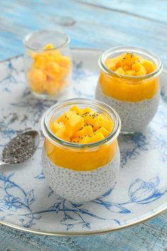 Pudding chia z bananem i mango Mango Pudding, Chia Pudding, Dog Food Recipes, Cooking Recipes, Healthy Recipes, Healthy Meals, Toxic Foods For Dogs, Smoothies, Can Dogs Eat