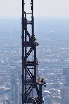 Central Park Tower Officially Tops Out Feet Above Midtown, Becoming World's Tallest Residential Building - New York YIMBY New York City Buildings, Modern Buildings, 111 West 57th Street, Metlife Building, New York High Line, 432 Park Avenue, Glass Curtain Wall, New York Pictures, Concrete Structure