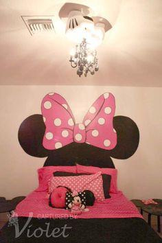 Little girl's bedroom. I wanna do this for Seanna's room.!