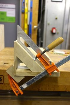 Clever clamping for any angle.
