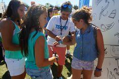 Personas que se acercaron al evento, también formaron parte de las actividades de TECHO en el marco del #atpviña2014