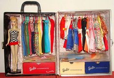 Vintage Barbie...such a neat case...somebody is flirting with OCD lol