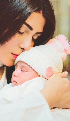 aiza khan with daughter hoorain taimoor