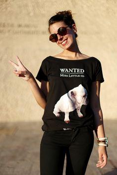 Silvia del blog www.1sillaparamibolsoblog.com  con una de nuestras camisetas preferidas