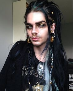 We're always falling in love with Nils' looks! Male Makeup, Goth Makeup, Fx Makeup, Dark Beauty, Nils Kuiper, Snow Makeup, Pretty People, Beautiful People, Long White Hair
