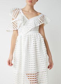 Op zoek naar Self-Portrait Lace Frill one shoulder midi-jurk ? Ma t/m za voor 22.00 uur besteld, morgen in huis door PostNL.Gratis retourneren.