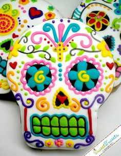 Sugar skull cookie by Sarah Ogren. Mixed Media Artist