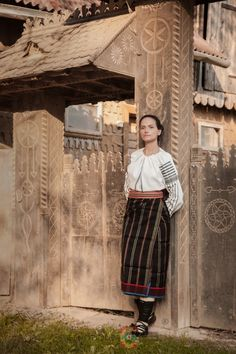 Wood Carving, Art Decor, Lace Skirt, Russia, Ikon, Traditional, Costumes, Perennial, Airplanes