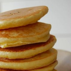 Here's How To Make Perfectly Fluffy Pancakes Breakfast Cupcakes, Breakfast Recipes, Dessert Recipes, Desserts, Food Network Recipes, Cooking Recipes, The Kitchen Food Network, Oatmeal Pancakes, Fluffy Pancakes
