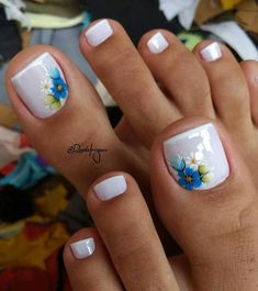 Summer Toes – 40 Best Summer Toe Nail Art for 2019 - Beauty Home Simple Toe Nails, Pretty Toe Nails, Summer Toe Nails, Cute Toe Nails, My Nails, Beach Toe Nails, Toe Nail Color, Toe Nail Art, Nail Colors