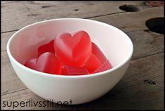 Gelegodteri fra superlivsstil.net. Kjempelett og veldig godt! Low Carb Sweets, Serving Bowls, Treats, Snacks, Tableware, Sweet Like Candy, Goodies, Appetizers, Dinnerware