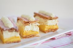 Creme Brulee Cheese Cake Squares Was that a hint Erin? I make both of those very well :) No Bake Desserts, Just Desserts, Delicious Desserts, Dessert Recipes, Yummy Food, Food Cakes, Cupcake Cakes, Cupcakes, Yummy Treats