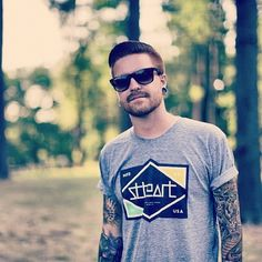Matty Mullins Memphis May Fire. Red Hair Tumblr, Gorgeous Men, Beautiful People, Red Hair Men, Memphis May Fire, Great Beards, Boy Tattoos, Inked Men, Of Mice And Men