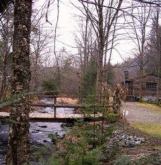 Log Cabin in Sugar Hill, NH, USA, on the Salmon Hole Brook.