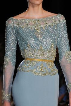 View all the detailed photos of the Elie Saab haute couture autumn 2012 showing at Paris fashion week. Read the article to see the full gallery. Elie Saab Couture, Style Haute Couture, Couture Fashion, Runway Fashion, High Fashion, Couture Details, Chanel Fashion, Fashion Hair, Blue Fashion