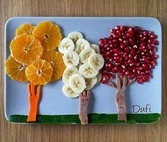 Ideas fruit design for kids snacks Easy Food Art, Food Art For Kids, Creative Food Art, Kids Food Crafts, Food Puns, Food Humor, Salad Decoration Ideas, Deco Fruit, Food Art Painting