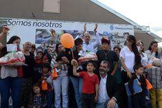 """Buzzi entregó 10 viviendas a familias en Corcovado http://www.ambitosur.com.ar/buzzi-entrego-10-viviendas-a-familias-en-corcovado/ El Gobernador destacó que """"no se recuerda si alguna vez se entregaron 10 viviendas juntas en Corcovado"""". En la misma línea, la intendenta local, Roxana Novella, expresó que """"son todos grandes avances que nos llevan a una mejor calidad de vida como familias y como sociedad"""".     El gobernador Martín Buzzi entregó"""