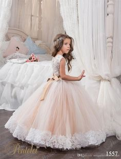 2018 Cheap Ball Gown Flower Girl Dresses Jewel Lace Appliques Birthday Party Dresses with Sashes Crystal Floor First Communion Dresses M1190
