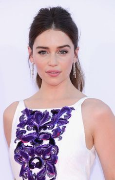 Perfectly coiffed lovely Emilia Clarke in lovely dress ♥
