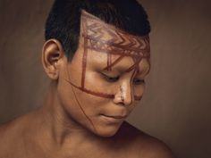 the continued traditions of body and face-painting throughout Colombia's indigenous tribes The Way We Are Now, by Piers Calvert Amazon South America, Colombian Art, Country Women, Wonderful Machine, People Of Interest, Indigenous Tribes, American Spirit, War Paint, Interesting Faces