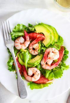 insalata di gamberi, avocado e pompelmo