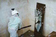 """This Is How Real Psychos Get Unleashed – Moscow's """"Rage Rooms"""" By The Hour"""
