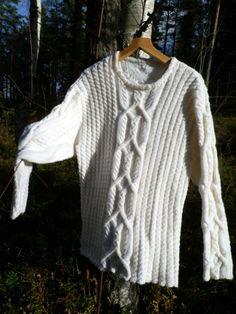 Traditional knitting Crocheting, Knit Crochet, Men Sweater, Traditional, Knitting, Sweaters, Fashion, Chrochet, Moda