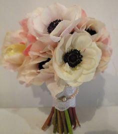 Brautsrauß aus Anemonen    http://botanicart.files.wordpress.com/2013/01/img_7678.jpg?w=701=800