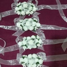 Gelinimizin arkadaslari icin nedime bileklikleri Corsage Wedding, Wedding Bouquets, Wedding Flowers, Flower Corsage, Wrist Corsage, Crafts Beautiful, Hand Jewelry, Gray Weddings, Foam Crafts