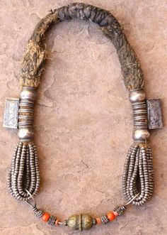 Oman | Vintage digg necklace | Lovely example of true Bedouin nomad jewelry from the Wahiba region of Oman.