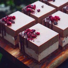 Grandma's Mini Cookies - Now Desserts Gourmet Desserts, Mini Desserts, Raw Vegan Desserts, Small Desserts, Dessert Recipes, Strawberry Desserts, Dessert Food, Christmas Desserts, Cranberry Dessert