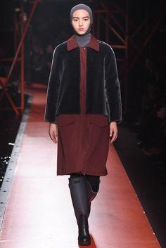 Hunter Original Fall 2015 Ready-to-Wear Fashion Show Fashion Show, Fashion Design, Fashion Trends, Vest Coat, Jacket, Wilhelmina Models, Hunter Original, Fall 2015, Catwalk