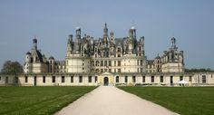Kasteel Château de Chambord - Frankrijk - Het kasteel ligt in Chambord. Het kasteel werd in 1519 gebouwd in opdracht van Koning Frans I van Frankrijk.