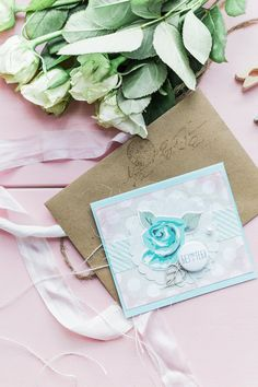 A small delicate card, it also comes with an envelope.